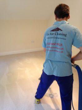 Professional Carpet cleaner London.jpg